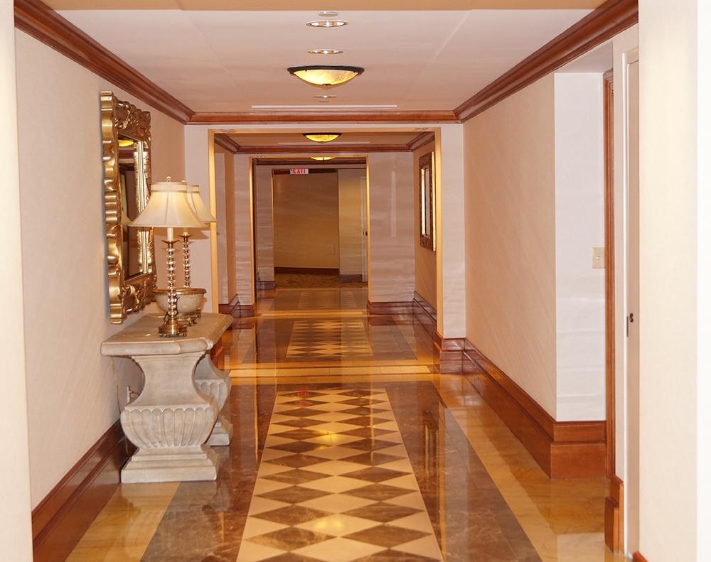7000-lobby-hallway
